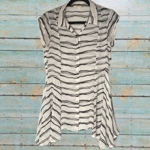 ANTHRO Meadow Rue Black/White Walking Tour Top SzM